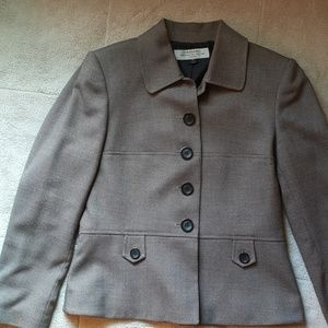 Nicely tailored Tahari Arthur S. Levine jacket
